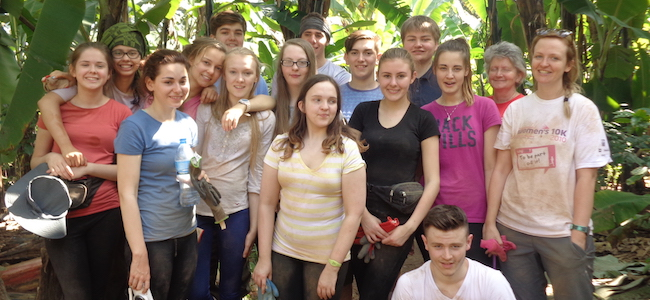 Group photo of students on a schools expedition